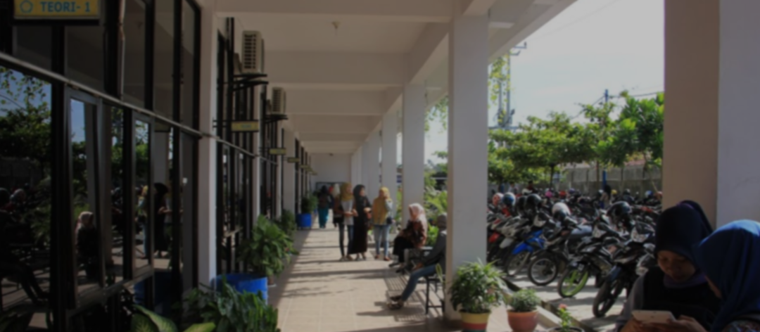 KAMPUS STMIK ROYAL KISARAN